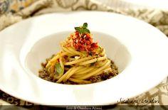 Bucatini con polpa di melanzane e pesto di pomodori secchi e mandorle | SICILIANI CREATIVI IN CUCINA | di Ada Parisi