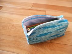 This Week's Top 3 Free Crochet Patterns, Pencil or Make Up Cases « Scarlet Dash