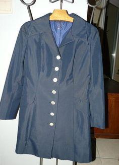 À vendre sur #vintedfrance ! http://www.vinted.fr/mode-femmes/autres-manteaux-and-vestes/23514162-manteau-vintage-retro-fait-par-un-tailleur