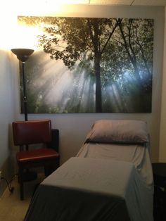 Another view of the #peaceful #treatment room for #acupuncture with Laura Drago @niceneedles @Kinesis Living