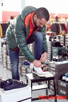 #piazzadispagnaoutlet #soglianocavour #shoppingonline #outlet #store -40%  #giubbotto #hilfiger #hilfigerdenim -50 % #maglia #alpha #alphamale  #italianstyle #italian #followme #likesforlikes #instamood #instalikes #guy #inverno2015 -40%  #jeans #dundup -50% #calzature #cesare #paciotti #4us #footwear #detailes #trendy #promotion