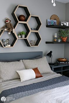 Hexagon Shelving Bedroom Ideas for Young Men Decorating for young adults Bachelor Bedroom decoration ideas Grey Bedroom ideas Boy Bedroom Ideas Neutral colors for a boy bedroom Mens Room Decor, Boys Bedroom Decor, Room Ideas Bedroom, Small Room Bedroom, Gray Bedroom, Modern Bedroom, Boys Bedroom Colors, Grey Boys Bedrooms, Room Decorations For Men