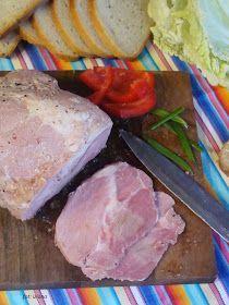 Mięso jest dla zwolenników czosnku bo ma intensywny choć moim zdaniem nie przesadzony jego aromat jest to też taka oszukana szyneczka bo z ł... Smoking Meat, Charcuterie, Sausage, The Cure, Bbq, Pork, Turkey, Homemade, European Countries