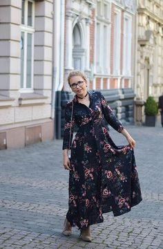 Kationette, Fashionblog, Outfit, Zara, Maxi dress, floral, choker, furla, metropolis, streetstyle, ootd, lotd