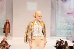 Show Thomas Rath Lace Skirt, Skirts, Fashion, Moda, Fashion Styles, Skirt, Fashion Illustrations, Gowns