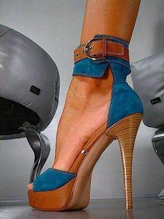 29 degrees of heels