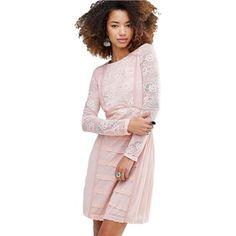 Svetloružové šaty s něžkým čipkovaným vzorom HUSH HUSH veľký