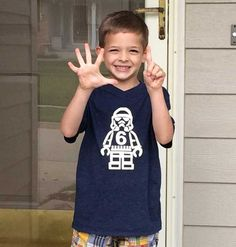 This Lego Star Wars Stormtrooper Birthday Shirt is perfect for your little Star Wars fan! Get the free printable here to make your own.