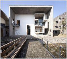 China Academy of Art, Xiangshan Campus. Wang Shu (Amateur Architecture Studio), 2007. Hangzhou, China #architecture