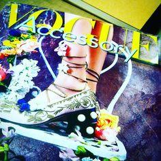 Al fin la #Vogue #accessory #italia