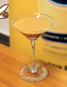 Eierlikör Rezept: Oster-Cocktail VERPOORTEN Black