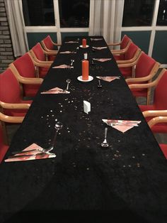 Dekket og klar for årsfest 2016 Table Settings, Table Top Decorations, Place Settings, Desk Layout