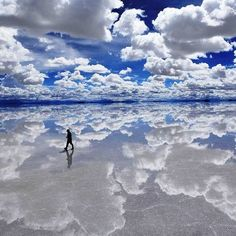 Solar de Uyuni, Bolivia. Does it get more beautiful then this? #HipmunkBL