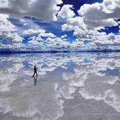 Solar de Uyuni, Bolivia. Does it get more beautiful then this? #HipmunkBL