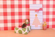 Wrapping Christmas gifts with origami paper | Weihnachtsgeschenke mit Origamipapier einpacken