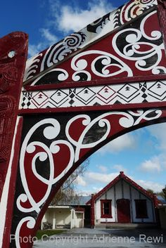 🇳🇿 Introducing Maori Lifestyles: Re-Visiting Papawai Polynesian People, Polynesian Art, Maori Designs, Maori Art, All Things New, New Zealand, Projects To Try, Carving, Culture