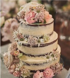 Semi Naked Wedding cake with flowers made by Caterina in Kangaroo Valley. Have a country wedding in Kangaroo Valley Bush Retreat, New South Wales, Australia. #weddingcake #flower #Nakedcake