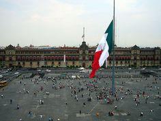 El zócalo de la Ciudad de México a través de la historia
