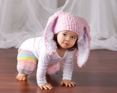 6 to 12m Baby Bunny Hat Baby Beanie Crochet Bunny por BabaMoon