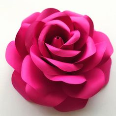 This is an SVG FILE!!! A file to use in cutting machines. This is not the file for trace and cut purposes. This Listing is for FLOWER PETALS TEMPLATE ONLY that comes with the Rose Bud Center. NOTE that the 3rd picture in the listing (group of six flowers) is not the same as this