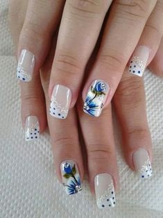 Everyone loves the flower and nail art designs with the flower is very popular. You can try flower nail designs freehand using a brush or using a stamp. Trendy Nail Art, New Nail Art, Beautiful Nail Designs, Beautiful Nail Art, Fabulous Nails, Perfect Nails, Flower Nail Designs, Nail Art Designs, Floral Designs