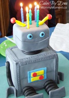 A Robot Birthday Cake. My son turned 5 this last month and a robot was his choice for a cake. Have you ever had a robot themed birthday party? Pink Birthday Cakes, Homemade Birthday Cakes, Boy Birthday, Birthday Party Themes, Birthday Ideas, Jack Daniels Birthday, Robot Cake, Cakes For Boys, Kid Cakes