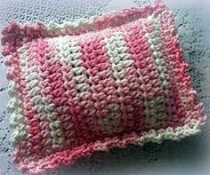 Free Crochet Rice Bag- uses a nylon stocking to line it and keep the rice in. allfreecrochet.com