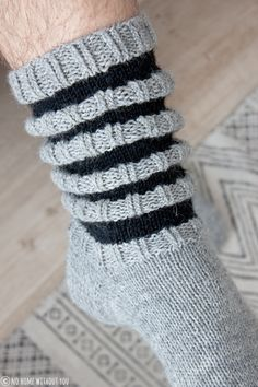 Wool socks for men Crochet Socks, Knitting Socks, Knit Crochet, Knitting Patterns Free, Knit Patterns, Knitting Charts, Woolen Socks, Knit Stockings, Sock Toys