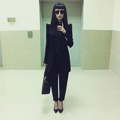 phantogrampandora:  annapisar:  #lookoftheday   Anna Pisar's fashion sense rules my life