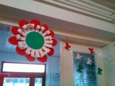 Kreatív ötletek március 15-ére - Színes Ötletek Independance Day, Republic Day, Paper Quilling, Spring Crafts, Diy And Crafts, Projects To Try, Origami, Frame, Flowers