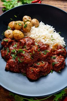 A tasty homemade madras lamb curry with a blend of warm spices! Lamb Recipes, Sauce Recipes, Seafood Recipes, Indian Food Recipes, Vegetarian Recipes, Ethnic Recipes, Crawfish Recipes, Curry Recipes, Chicken Recipes
