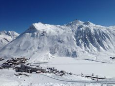 Tignes Le Lac. With a great view of 'The Fingers' in the back ground and the frozen lake.