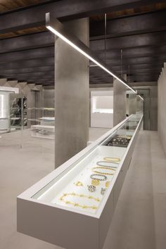 wonderwall establishes a pure aesthetic for ambush jewelry brand in tokyo - Jewellery display - Jewellery Shop Design, Jewellery Showroom, Jewellery Display, Jewelry Shop, Jewelry Store Displays, 80s Jewelry, Premier Jewelry, Jewelry Stand, Jewelry Holder