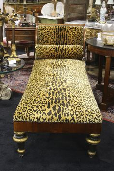 Chaise lounge victorian style chairs pinterest for Animal print chaise longue