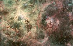 La Galaxia del Sombrero, ubicada a 28 millones de años luz de la tierra en la constelación de Virgo. (Me voy a hacer unos leggins con esta foto ;))
