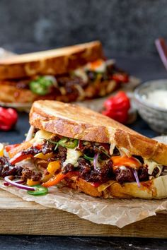 This Korean Steak Sandwich with Jalapenos and Garlic Mayo is roll-your-eyes-in-your-head amazing! Marinated rib eye steak and a kick of chilli heat! food photography Korean Steak Sandwich with Jalapenos and Garlic Mayo Steak Recipes, Cooking Recipes, Steak Sandwich Recipes, Steak Sandwiches, Sandwich Ideas, Steak Sandwich Sauce, Wonton Recipes, Gastronomia, Burger Recipes