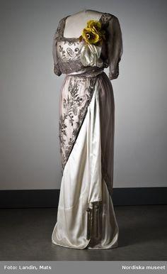 Evening Dress    1910s