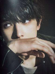 吉沢亮 Japanese Boyfriend, Japanese Men, Boy Face, Male Face, Cute Korean Boys, Cute Boys, Asian Boys, Ex Best Friend, Ryo Yoshizawa
