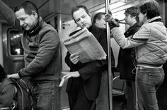 New Yorker: A PICKPOCKET'S TALE In magic circles, Robbins is regarded as a kind of legend. Psychiatrists, neuroscientists, and the military study his methods for what they reveal about the nature of human attention. Photograph by Martin Schoeller. Martin Schoeller, Adam Green, Magic Illusions, Brain Based Learning, Sleight Of Hand, Magic Tricks, Psychology Facts, Chor, The New Yorker