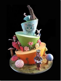 This amazing Alice in Wonderland Cake was an entry in the 2010 Sydney Royal Easter Show. Pretty Cakes, Beautiful Cakes, Amazing Cakes, Cheshire Cat Cake, Mad Hatter Cake, Planet Cake, Alice In Wonderland Cakes, Wonderland Party, Disney Cakes
