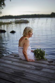 Laiturilla Sumiaisissa/On the dock in Sumiainen  Kuva/Photo: Maalla / Hanna-Kaisa Hämäläinen  http://www.facebook.com/MatkaMaalle  http://www.keskisuomi.net/  http://www.centralfinland.net/