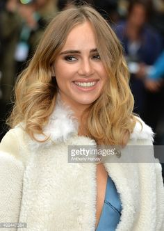 Suki Waterhouse attends the Burberry Prorsum show during London Fashion Week Spring/Summer 2016/17 on September 21, 2015 in London, England.