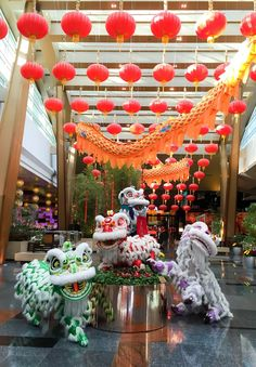 If you're looking for a place to celebrate Chinese New Year in the US, try the Aria Resort and Casino in Las Vegas! Chinese Background, Asian Party, Flying With Kids, Travel Usa, Travel Tips, Glitz And Glam, La Jolla, Chinese New Year, Favorite Holiday