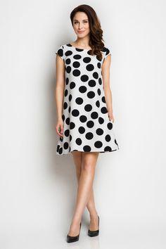 http://allegro.pl/trapezowa-sukienka-w-modne-groszki-grochy-roz-l-40-i5555956806.html
