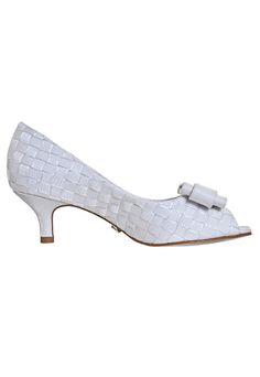 522b3056e 24 melhores imagens de Sapatos/Sandálias da noiva   Peep toe, Peeps ...