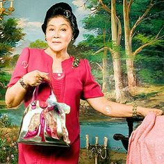 Over three decades ago the jewels belonged to his wife Imelda Marcos kept in the safe and no one new of a 25 carat pink diamond treasure that was there! Ferdinand, Philippines Culture, Philippines Food, People Power Revolution, Philippine Army, President Of The Philippines, Filipiniana Dress, Parol, Saints And Sinners