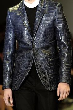 New Trends Menswear Collection and details that make a difference Dope Fashion, Fashion Moda, Urban Fashion, Fashion Show, Mens Fashion, High Fashion, Leather Fashion, Leather Men, Mode Masculine