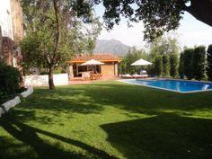 Linda casa en entorno privilegiado Informe de Engel & Völkers | T-1417973 - ( Chile, Región Metropolitana de Santiago, Lo Barnechea, El Arrayán )
