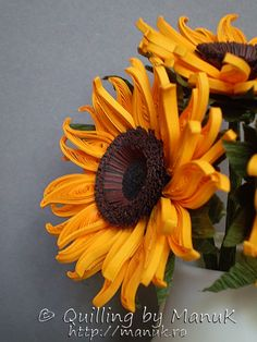 Quilled Sunflowers in a Vase Detail http://manuk.ro/en/ 'Quilling by Manuk'