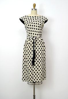 Wiggle dress 1960s and Clothing blogs on Pinterest